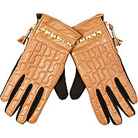 Beige leather RI quilted studded gloves