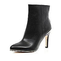 Black metal plate trim stiletto boots