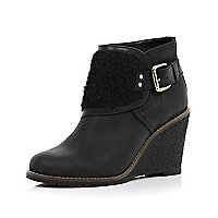 Black borg panel crepe wedge boots