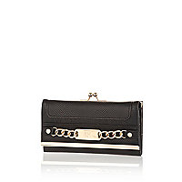 Black chain front clip top purse