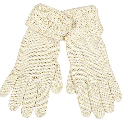 Cream cable knit cuff gloves