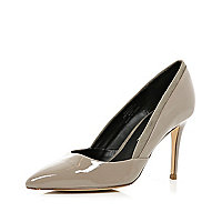 Beige patent mid heel court shoes
