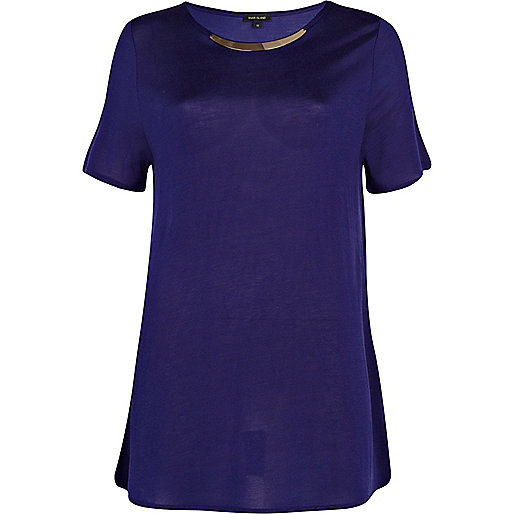 Purple metal plate trim t-shirt