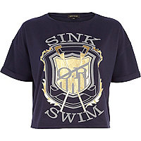 Navy sink or swim print cropped t-shirt