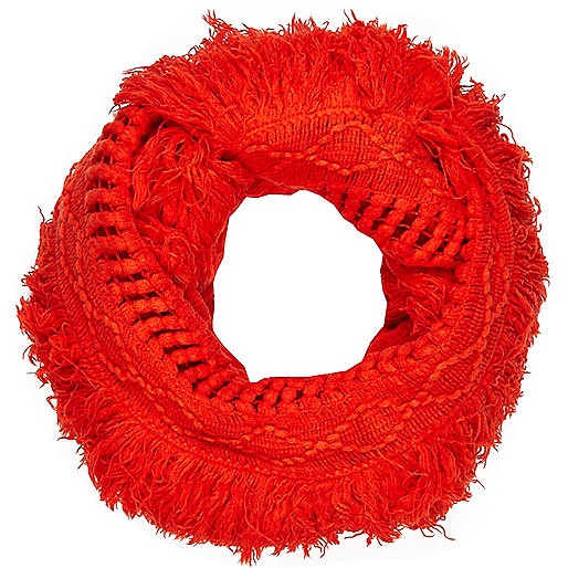 Red tassel snood
