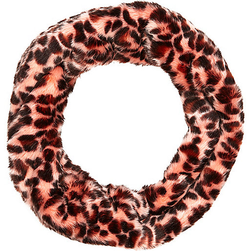 Pink leopard print faux fur snood