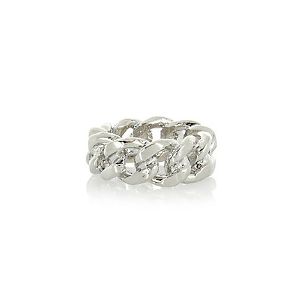 Silver tone curb chain ring