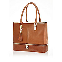 Brown zip base tote bag