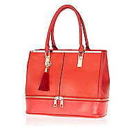 Red zip base tote bag