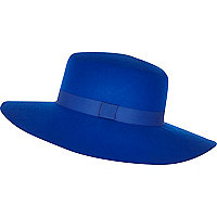 Bright blue ribbon trim shaker hat