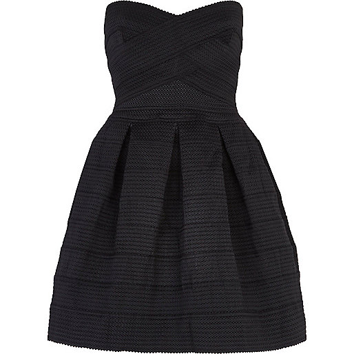 Black rib box pleat prom dress