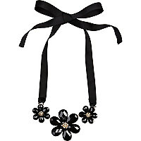 Black 3D flower ribbon necklace