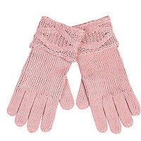 Light pink cable knit cuff gloves