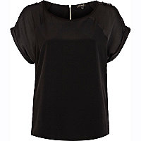 Black raglan sleeve t-shirt