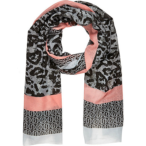 Luxurious trendy scarves for american