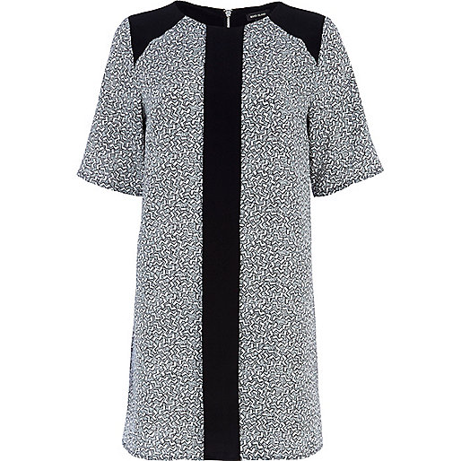 Black geometric print t-shirt dress