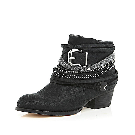 Black wrapped strap western ankle boots