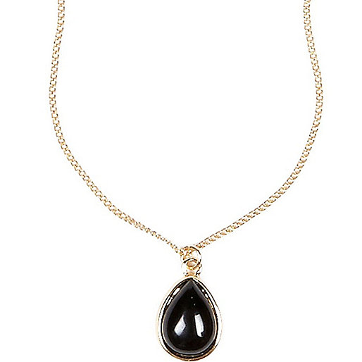 Black semi-precious stone necklace