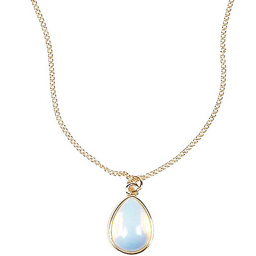 White semi-precious Moonstone necklace