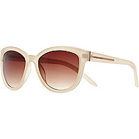 Cream oversized cat eye sunglasses