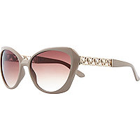 Light brown chain arm cat eye sunglasses