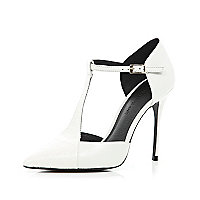 White T bar pointed court shoes