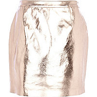 Rose gold metallic leather-look mini skirt