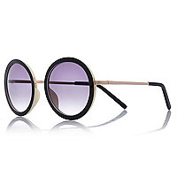 Black rim round sunglasses
