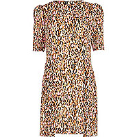 Pink graphic leopard print shift dress