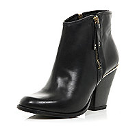 Black side zip western ankle boots