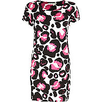 Pink graphic animal print t-shirt dress