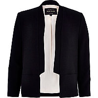 Black inverted collar blazer