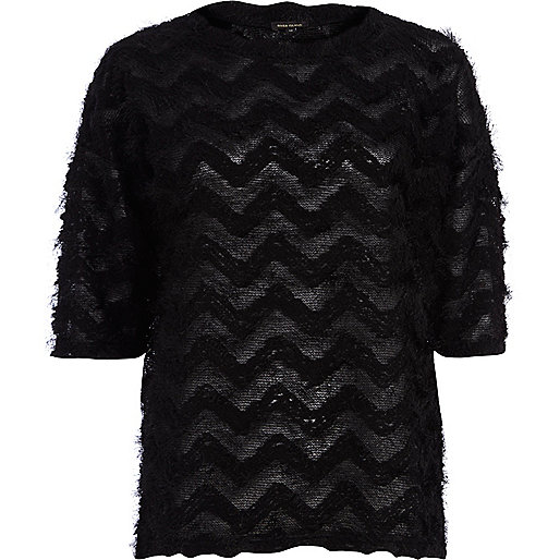 Black zig zag fluffy oversized t-shirt