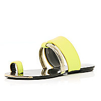 Lime slinky bracelet trim toe loop sandals
