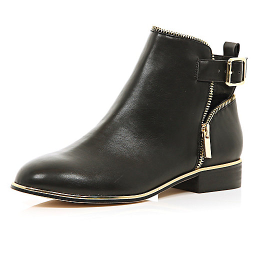 Black zip trim ankle boots