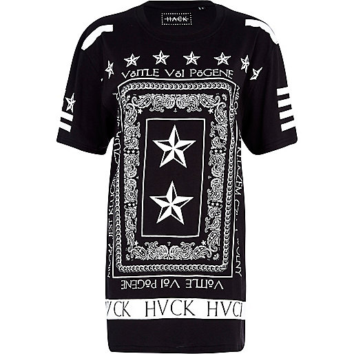 Black Hack border print t-shirt