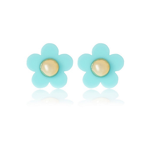 Light blue daisy stud earrings
