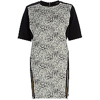 Black scratch print shift dress