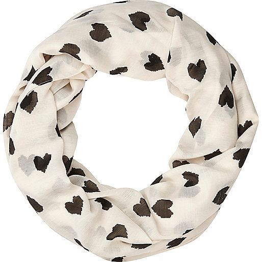 Cream heart print lightweight snood
