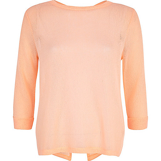 Light coral fine knit vent back top