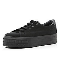 Black flatform trainers