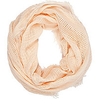 Light pink gauze laddered snood