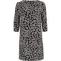 Black daisy print shift dress