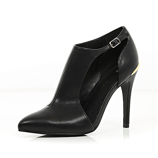 Black cut out pointed shoe boots