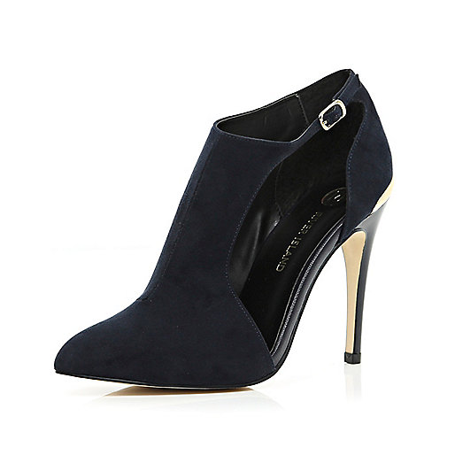 Navy cut out pointed shoe boots