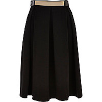 Black metal plate belt box pleat midi skirt