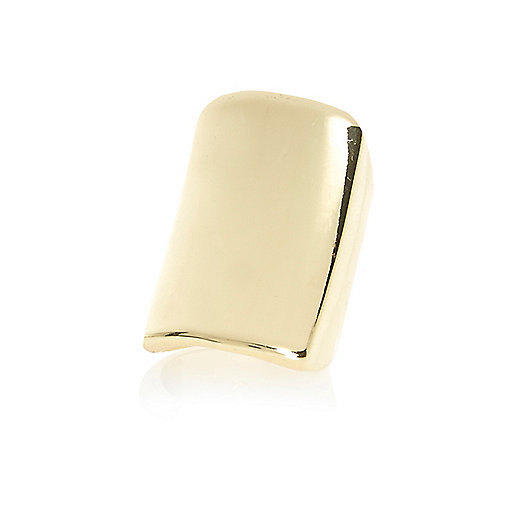 Gold tone smooth metal ring