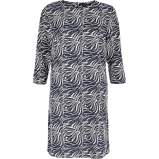 Blue wavy print shift dress
