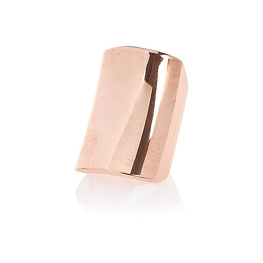 Rose gold tone smooth metal ring