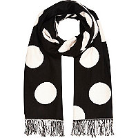 Black and pink polka dot blanket scarf